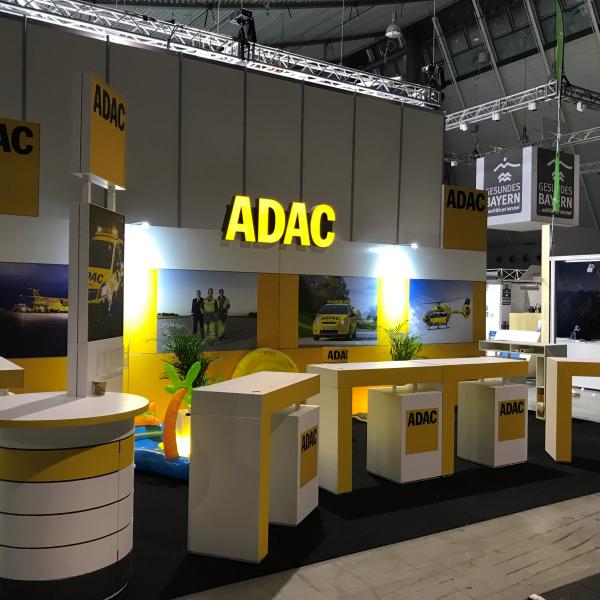 ADAC Vertriebsagentur Novosel mit POS-Stand