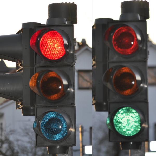 rot-grün Lampen für Reaktionstest Gerät der ADAC Vertriebsagentur Novosel